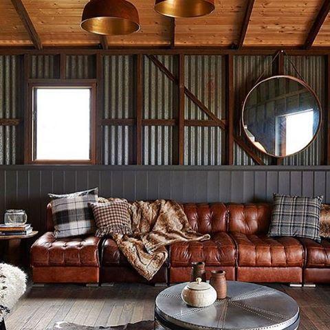 #mulpix TELHA METÁLICA ONDULADA| Do teto agora para as paredes   #corrugated  #corrugatedlove   #inspiracao  #interior  #arquitetura …