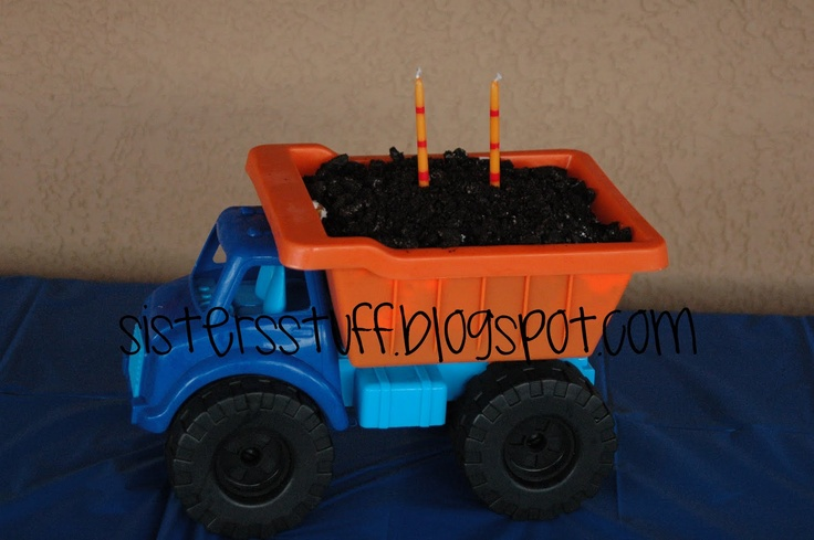 Love this idea: Dirt Cakes, Construction Birthday Parties, Construction Parties, Boys Birthday, Boys Parties, Parties Ideas, Trucks Parties, Dump Trucks, Birthday Cakes