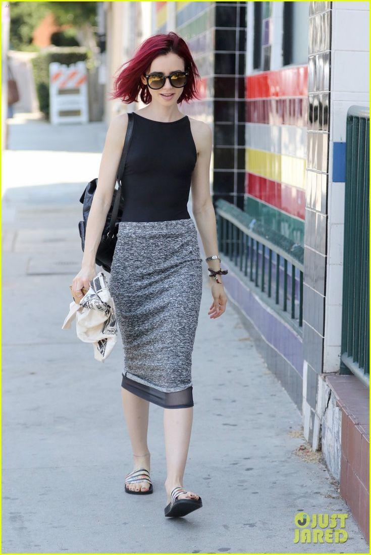 Lily Collins debutuje nový žiarivo červené vlasy 20