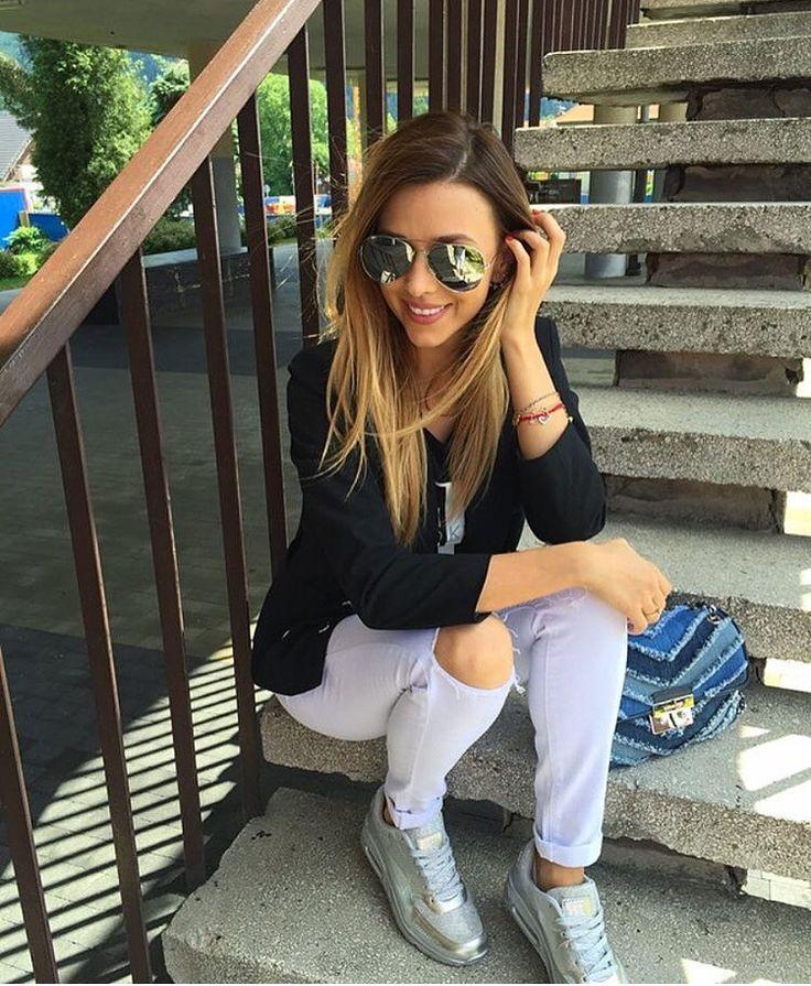 white pants, knee cut jeans, white trousers, high waist denim, white denim, model, polish girl,