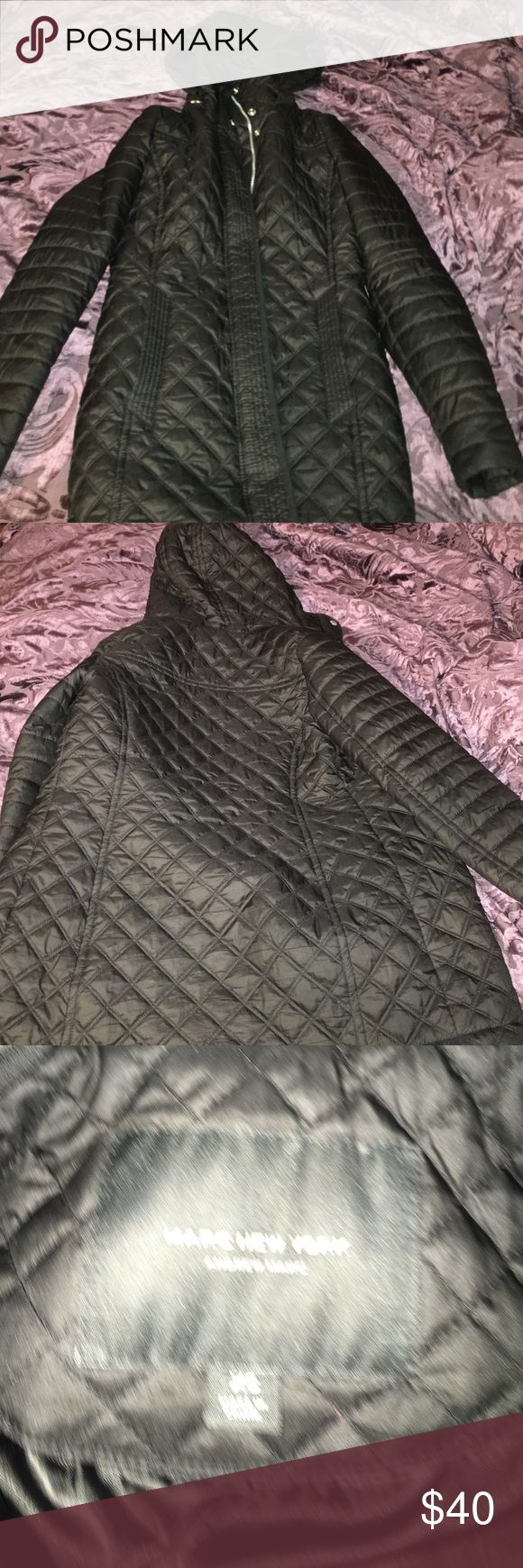 """Black quilted winter jacket Andre marc """"Maggie"""" Perfect condition like new . Pregnant and no longer fits my stomach . Size xs but fits like a small. I'm 5,2"""" and it length ends right below my butt. Arms are perfect length . Warm jacket but not to puffy . Make An offer. Jacket is in perfect condition. Style is called """"Maggie"""" can be found on Amazon for $200…"""
