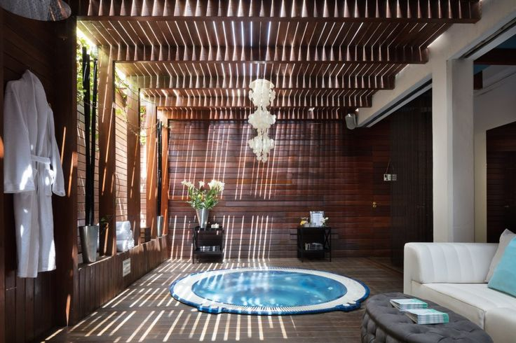 Book Hotel Es Vive, Ibiza on TripAdvisor: See 782 traveler reviews, 547 candid photos, and great deals for Hotel Es Vive, ranked #1 of 52 hotels in Ibiza and rated 4.5 of 5 at TripAdvisor.