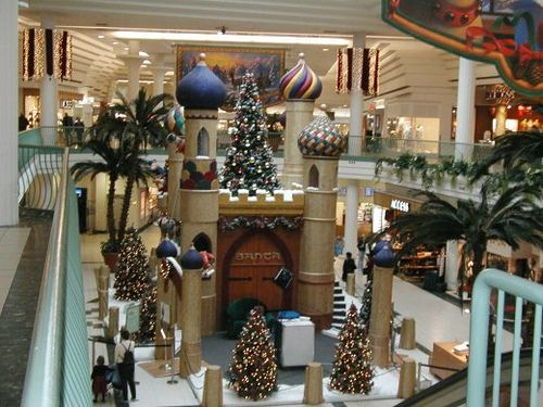 Christmas Display at Pickering Town Center Mall by Testycatlady, via Flickr