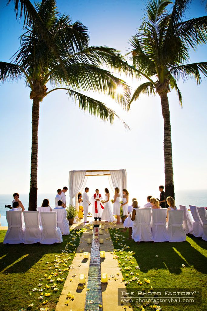 Wedding at The Istana Uluwatu