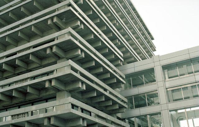 建築家・丹下健三の作品を扱った最大規模の展示会、「丹下健三 伝統と創造 瀬戸内から世界へ 展」が瀬戸内国際芸術祭で開催中。生誕100年を迎える丹下の建築家とし…