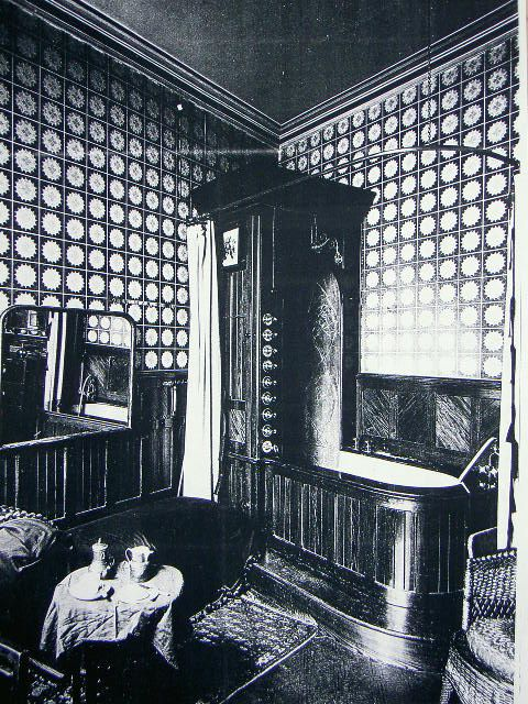 Bathroom in London, 1895