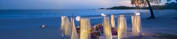 Beach Butlerz white, curtain screens for private dinner party