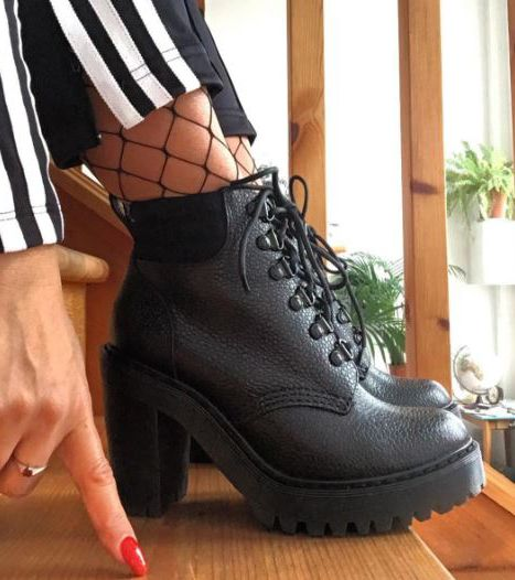The Persephone Aunt Sally boot, shared by niltomakan.