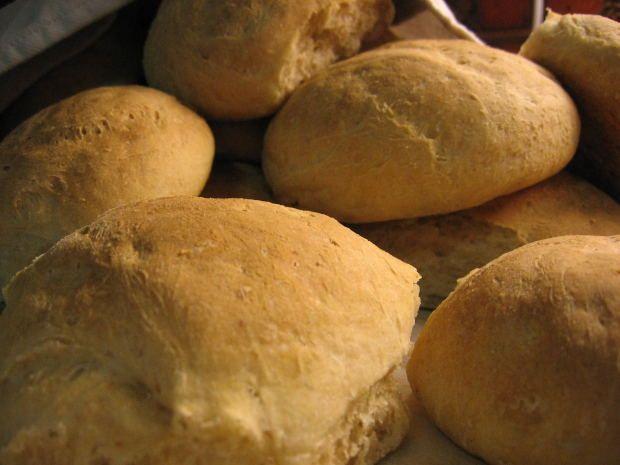 Pane con Farina Integrale fatto con il Bimby: LEGGI LA RICETTA ► http://www.ricette-bimby.com/2010/02/pane-con-farina-integrale-bimby.html