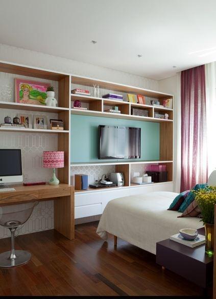 Um quarto de menina chique.
