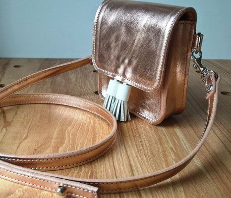 Leather mini cross body for little fashionistas <3 http://www.saradewaele.be/collectie/