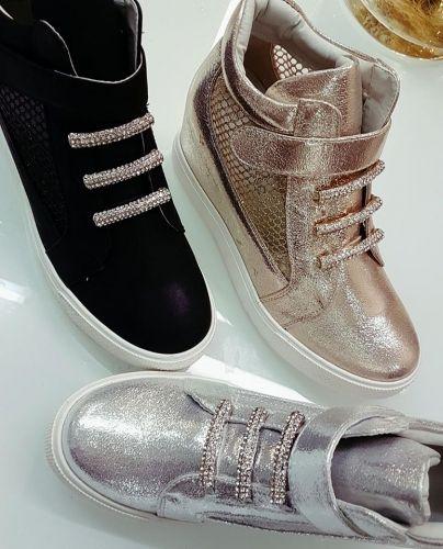 Γυναικείο αθλητικό παπούτσι stories for queens με εσωτερική φιάπα  http://handmadecollectionqueens.com/αθλητικο-παπουτσι-γυναικειο-με-εσωτερικη-φιαπα  #fashion #shoes #sneakers #women #footwear #storiesforqueens