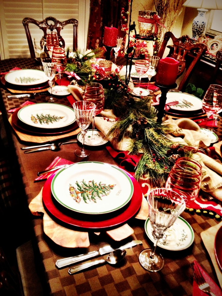 Christmas table 2012. Love that my Mom handed down the Chistmas Spode & 343 best Parties - Christmas Party images on Pinterest | Christmas ...
