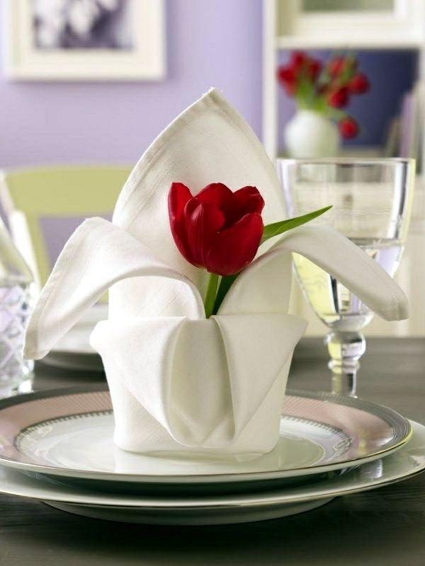 Сложить салфетки - красивое украшение праздничного стола в столовой сделать это самостоятельно