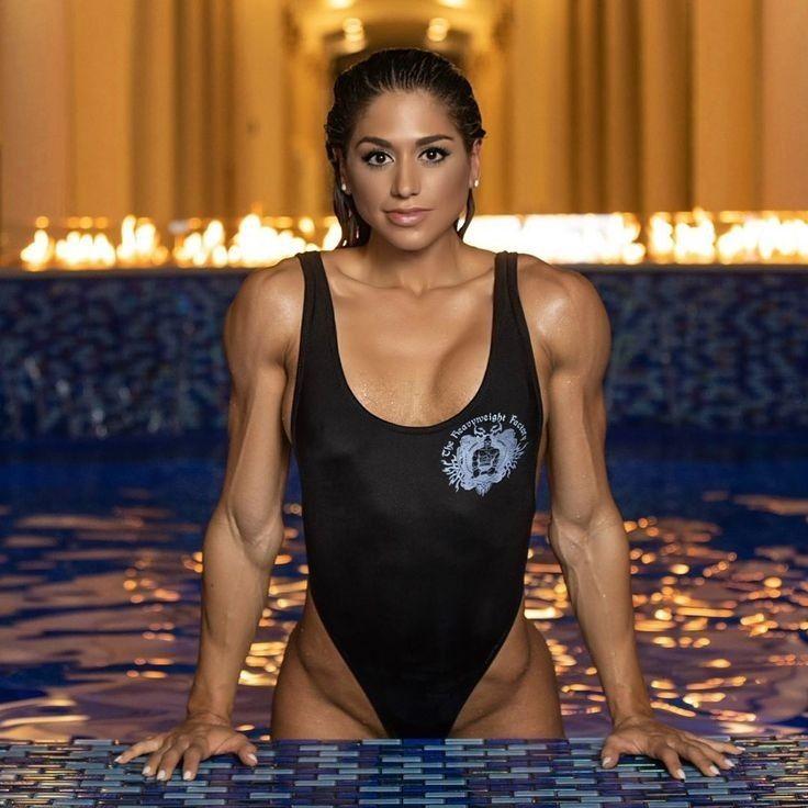 Black-various sizes Ava /& Viv Women/'s Plus Size Twist Front Swimsuit