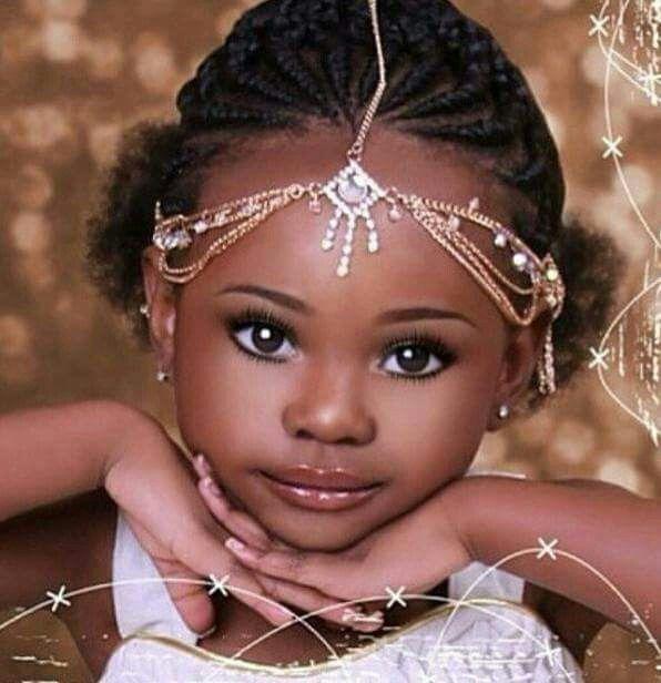 Ça me choque de voir les petites filles maquillées et instrumentalisées pour faire plaisir aux adultes