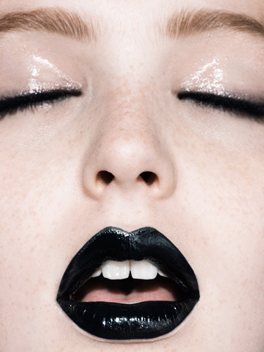 black lips, why. Just why is this so intriguing to me.