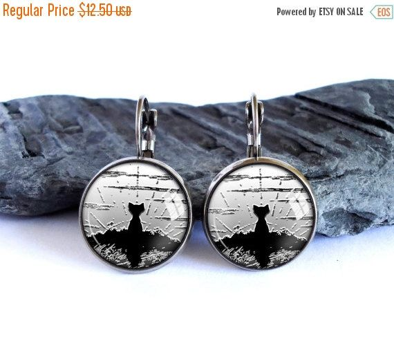ON SALE Black cat earrings, animal dangle earrings, black gray drop earrings, image earrings, glass cabochon picture earrings, graphics