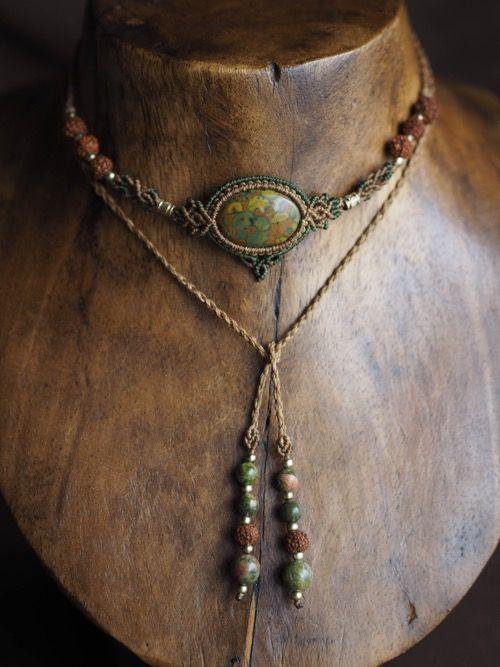 アズバライトジャスパー(インド産)&菩提樹の実、マクラメ編みチョーカーネックレス&ヘッドドレス紹介&販売。
