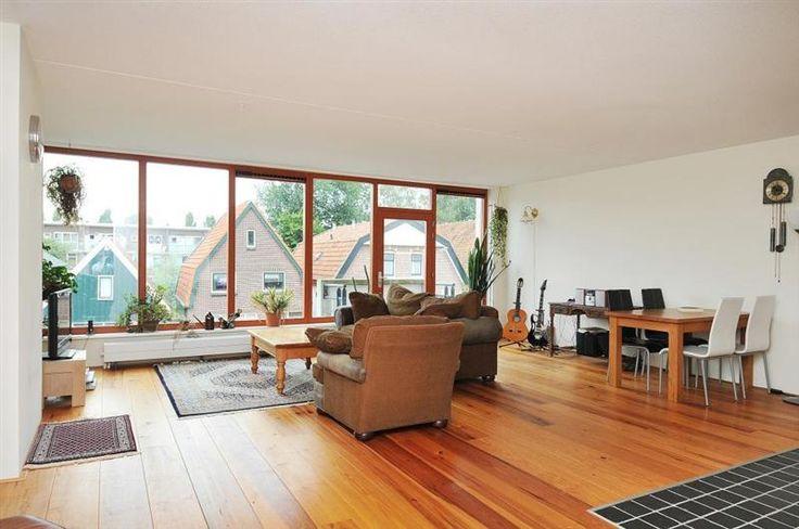 25 beste idee n over een kamer appartement op pinterest studio kelder appartement decor en - Ligbad in het midden van de kamer ...
