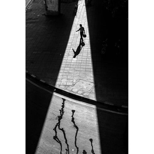 This image by Paul Lukin @paul_lukin has been submitted into the SPi Street Awards. Enter your images via the link in our bio. Only 1.50 per photograph.   First Prize - Solo exhibition in the Olympus Image Space London. An Olympus Pen F camera system with 17mm M.Zuiko lens. Front cover and main contributor to the Street Awards 2017 book. SPi Instagram takeover and full interview on website. A Limited edition artisan Tie Her Up camera strap.   20 Finalists - Each of the twenty finalists will…