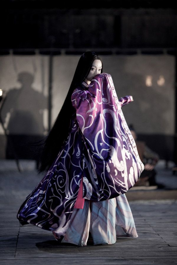 The Heian Era, and modern adaptations, are a big source of inspiration to me. Something about full pants and long jackets---Hana