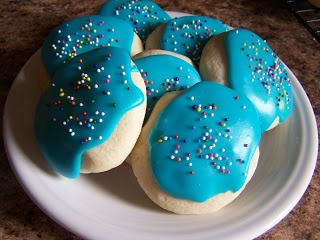 You Know Those Soft Sugar Cookies They Sell In Walmart And