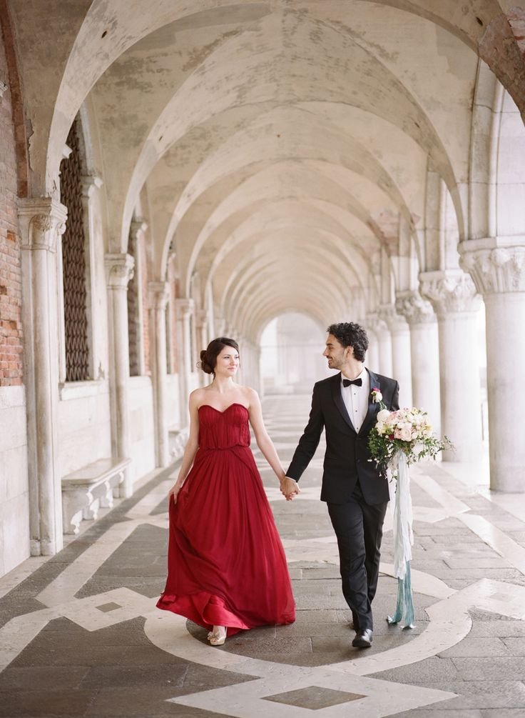 Romantic + Luxe Elopement Inspiration in Venice, Italy