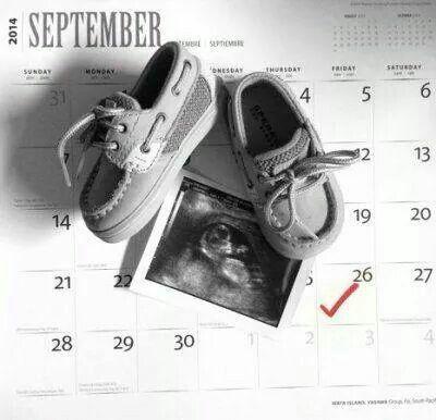 Easy cute pregnant announcement