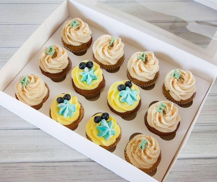 Cupcakes pro Adriana na jeho první svátek.  К первым именинам маленького Адриана.  #cupcakes #cupcakespodebrady #cupcake #svatek #dorticky #dorticek