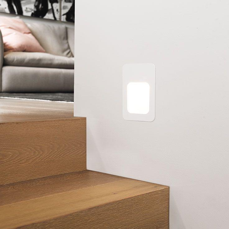 The Beacon Lighting LEDlux Foro 5W LED rectangle steplight in white