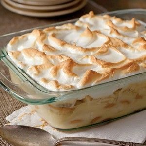 This banana pudding is as pretty as it is delicious.
