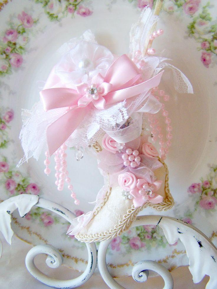 romantic shabby chic   Olivia's Romantic Home: Shabby Chic Rose Curtains