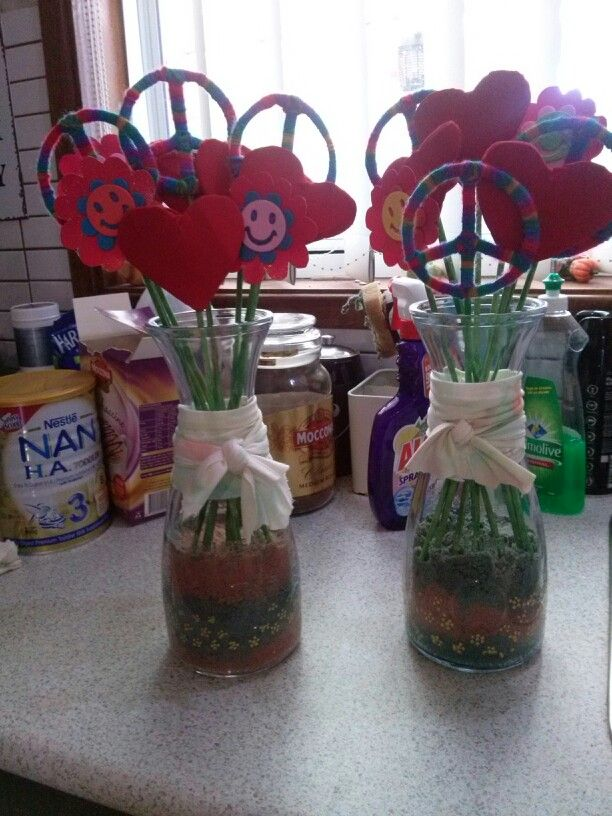 Hippie theme vase for candy bar