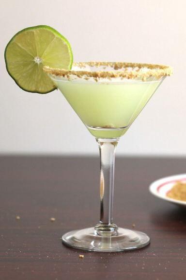 Key Lime Martini recipe: Vanilla Vodka, Key Lime Juice, Coconut, Pineapple, Cream. http://mixthatdrink.com/key-lime-martini/