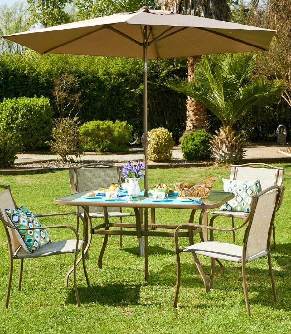 almorcemos en el jard n una mesa de comedor con un ForComedor Terraza Easy
