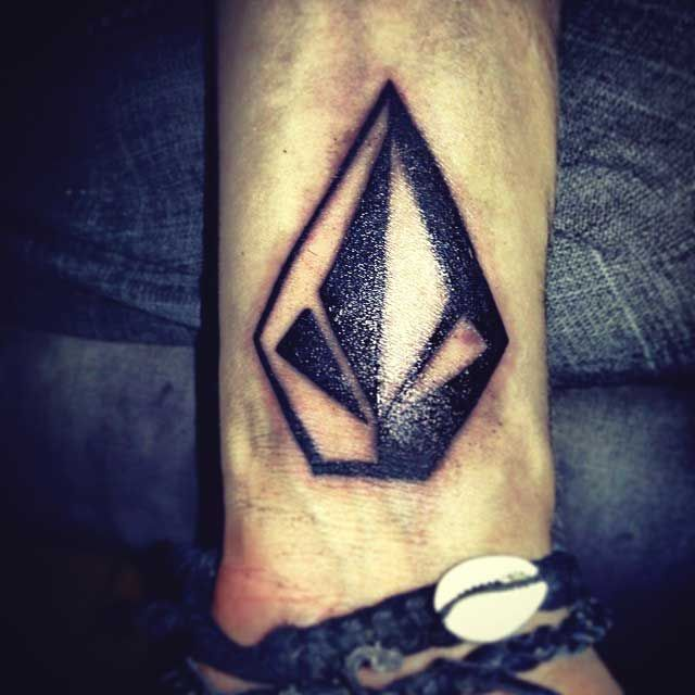 volcom stone tattoo peace love volcom pinterest