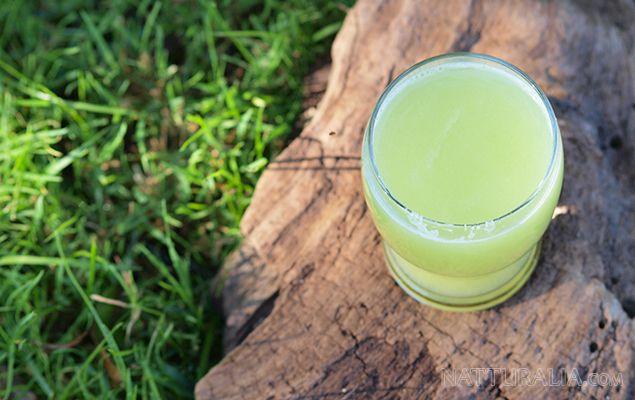 Zumo verde para reducir el reflujo ácido