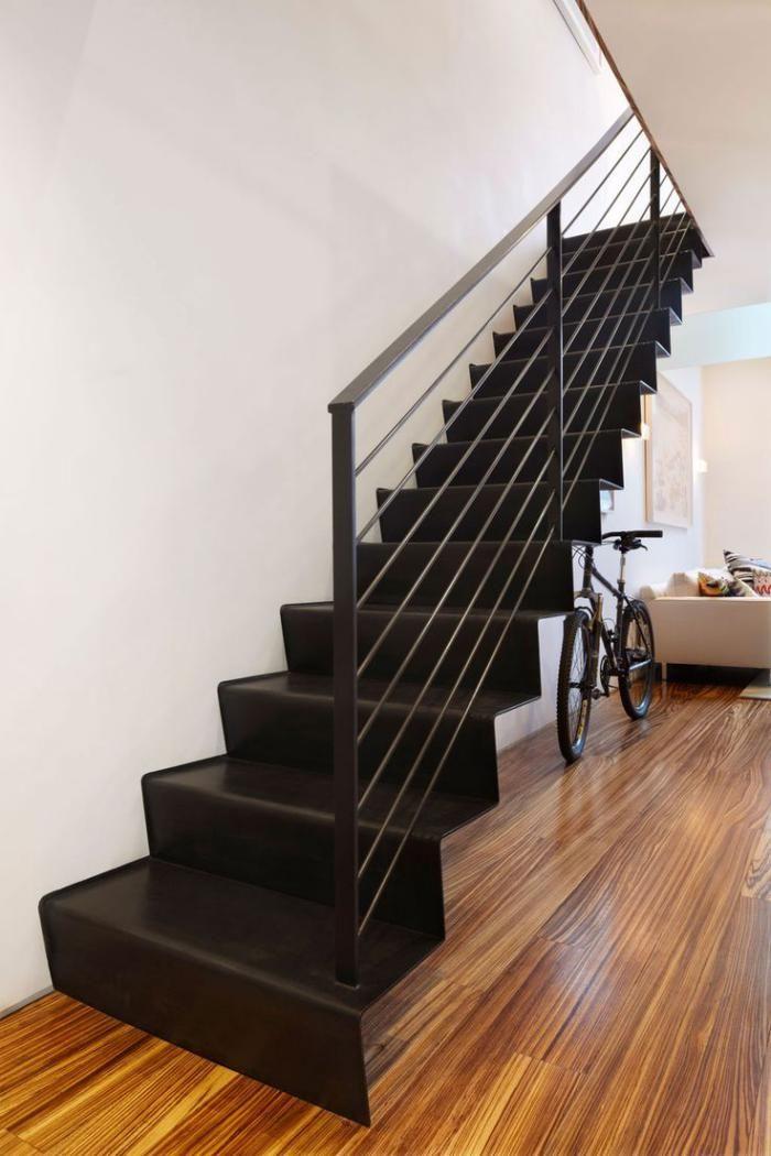 escalier métallique, escalier droit flottant