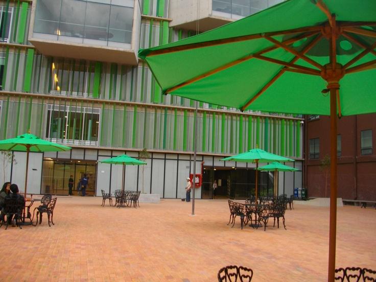 Plazoleta Emprendedores. Universidad EAN. Bogotá, Colombia -Suramérica-