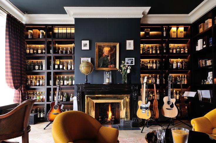 R novation architecte int rieur chic luxe appartement lyon salon anglais cosy guitare for Architecte interieur luxe