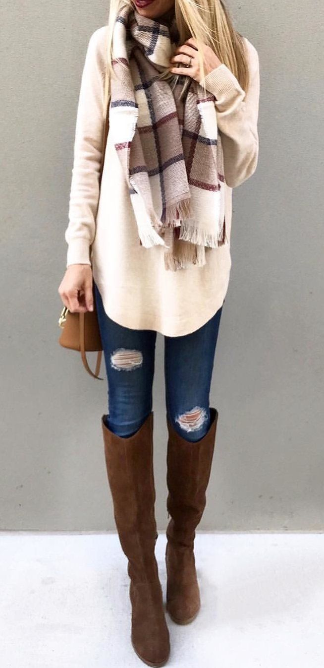 #fall #outfits women's brown and white scarf