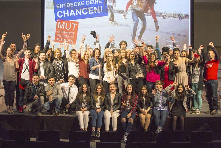 40 Münchner Mittelschüler präsentieren erstaunliche Ergebnisse des siebenmonatigen Bildungsprojekts