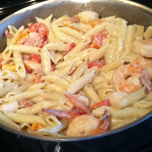Peppered shrimp alfredo | Delicious things. | Pinterest