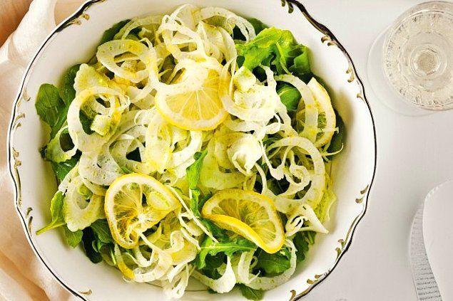 Yüzünüzü ekşitmeyin! Bu limon salatası size şifalardan şifa verecek!