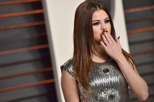 06-08 Are Selena Gomez and Wiz Khalifa Working Together? Watch... #SelenaGomez: 06-08 Are Selena Gomez and Wiz Khalifa… #SelenaGomez