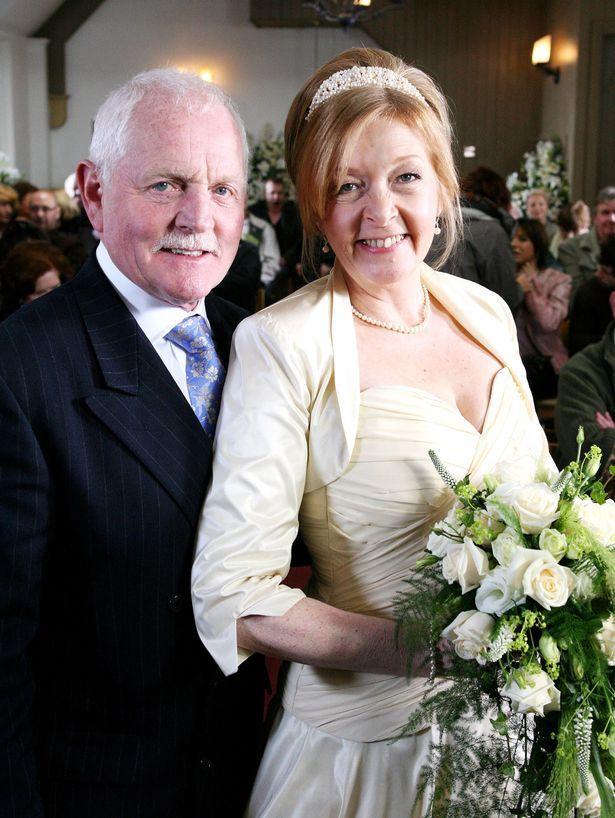 Gaynor faye wedding dress emmerdale characters