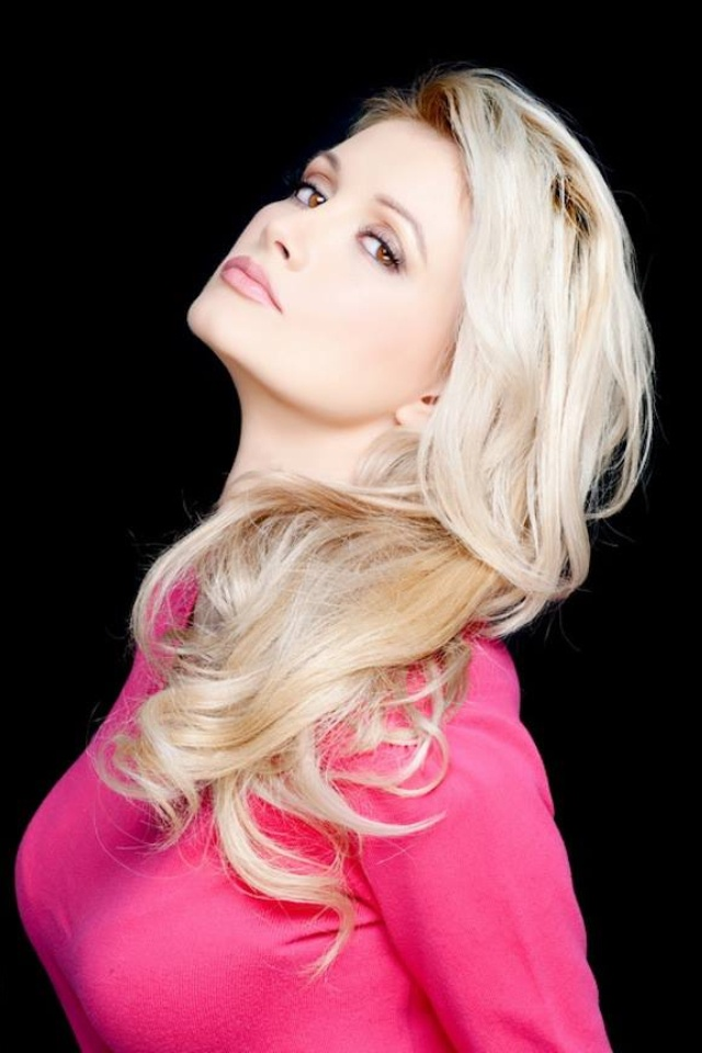 38 Best Images About Holly Madison My Role Model On