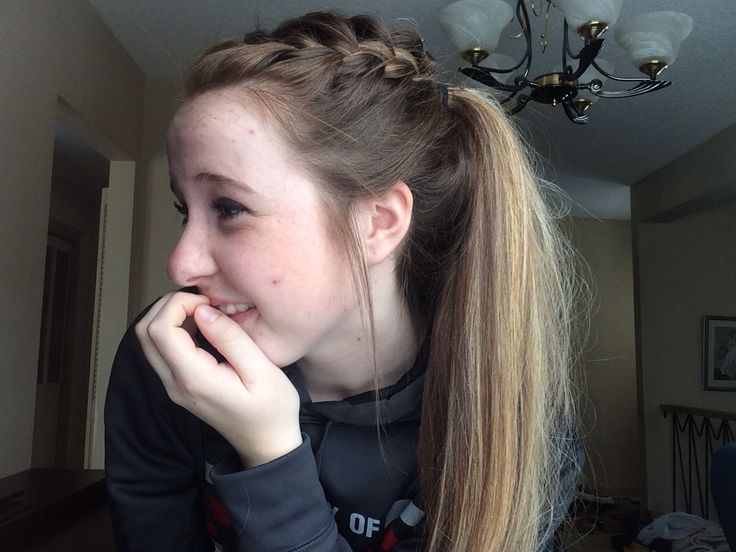 A French braid on one side of the head, cute hairstyle for sports or just going out #frenchbraid#sports#soccer#basketball#longhair#ponytails