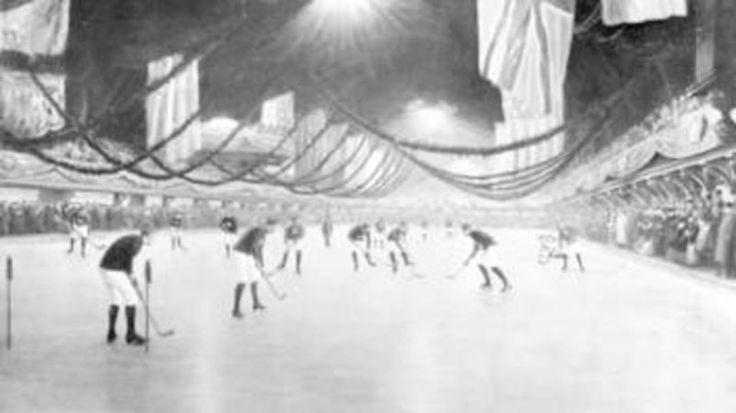 Il y a 140 ans jour pour jour, Montréal a été le théâtre du premier match de hockey organisé reconnu par la Fédération internationale de hockey sur glace.  Le 3 mars 1875, McGill l'avait emporté 2-1 sur Victoria sur une patinoire située près du boulevard Dorchester, qui s'appelle aujourd'hui le boulevard René-Levesque, tout près de l'endroit maintenant occupé par le Centre Bell.  À l'époque, la rondelle était faite en bois.